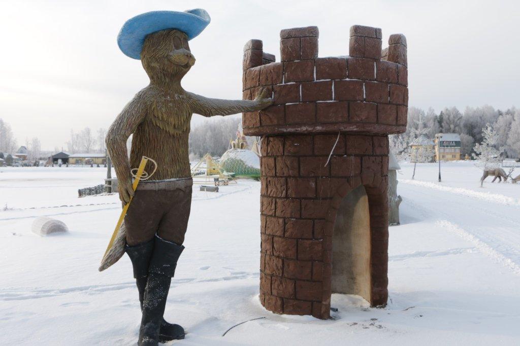 Фигурные скульптуры в Лотошино