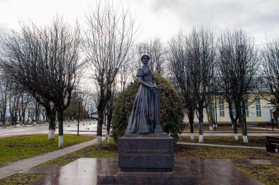 Шаховская, памятник Елене Фёдоровне Шаховской-Глебовой-Стрешневой