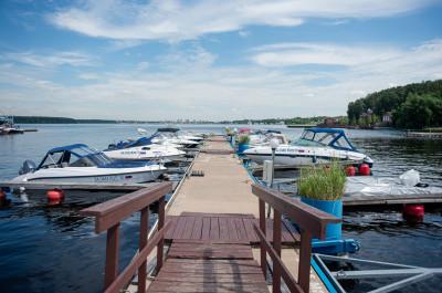 Пироговское водохранилище, Новый Берег Отель Яхт-клуб