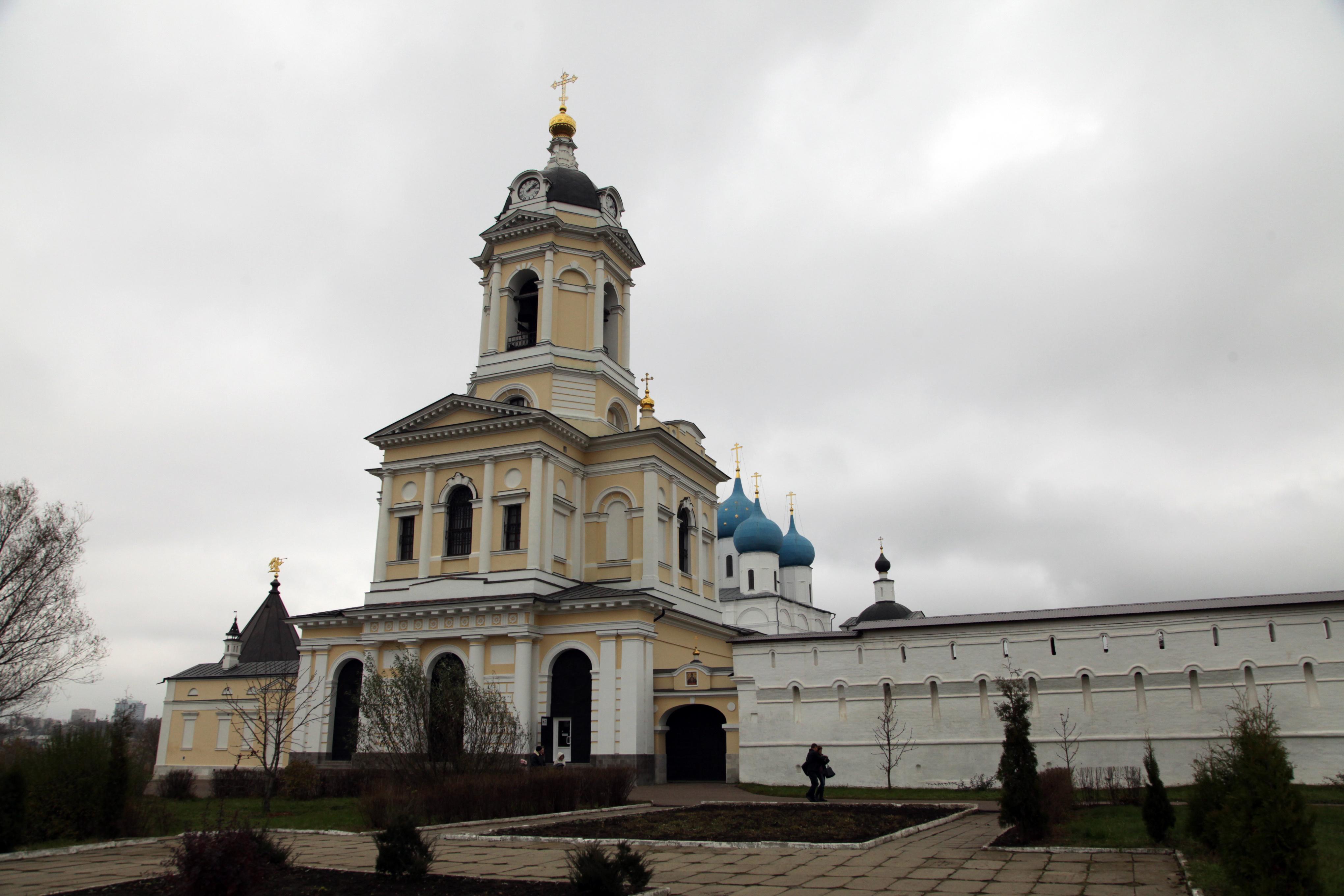 Высоцкий мужской монастырь в Серпухове
