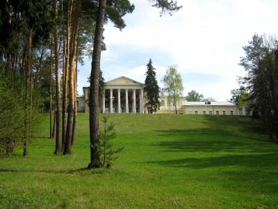Усадьба Введенское, Вид на усадебный дом из нижнего парка