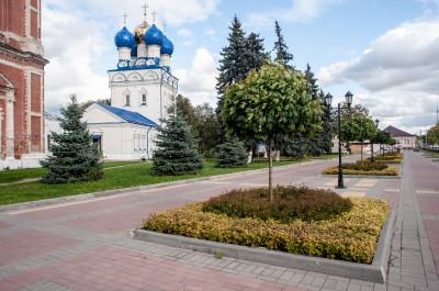 Собор Архангела Михаила в храмовом комплексе в Бронницах
