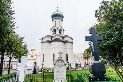 Свято-Троицкая Сергиева Лавра. Духовская церковь