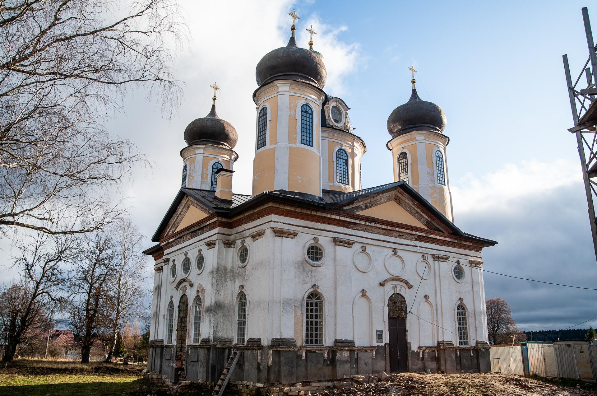 Церковь Преображения Господня в деревне Спасс-Косицы
