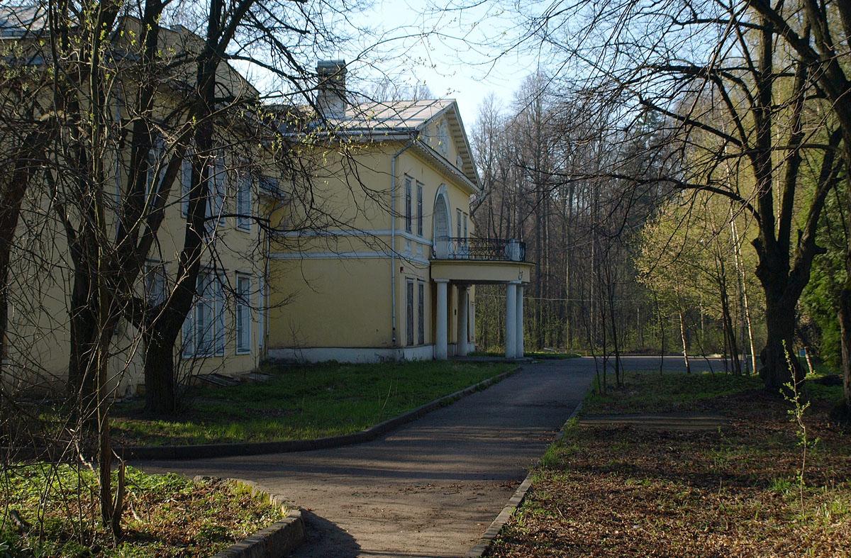 Дом Банзы в усадьбе Виноградово