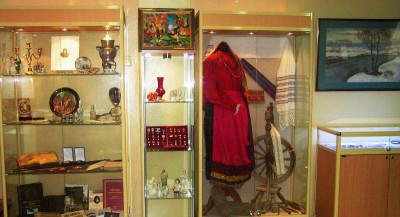 Выставка ''Дары музею'' в Лыткаринском историко-краеведческом музее