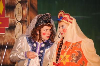 Молодежный театр «Зазеркалье». Спектакль «Аленький цветочек»