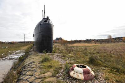 Памятник подводной лодке К-19