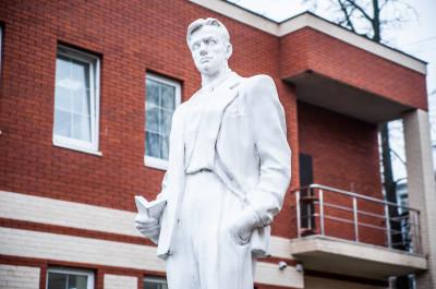 Орехово-Зуево, памятник Маяковскому