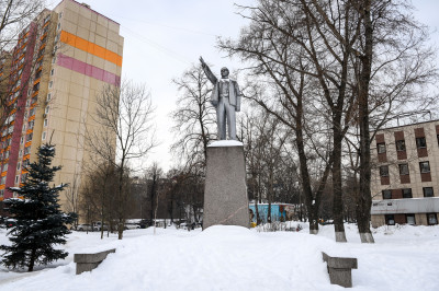 Реутов, памятник Ленину
