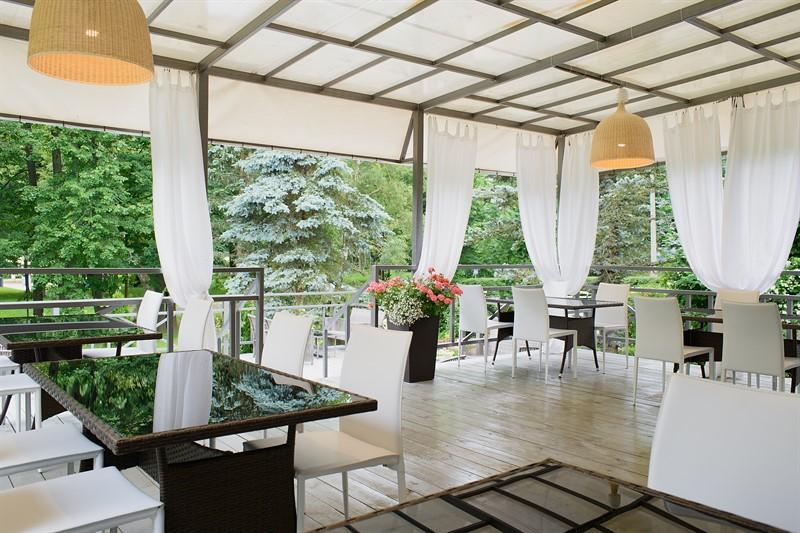 Ресторан в парк-отеле «Воздвиженское»