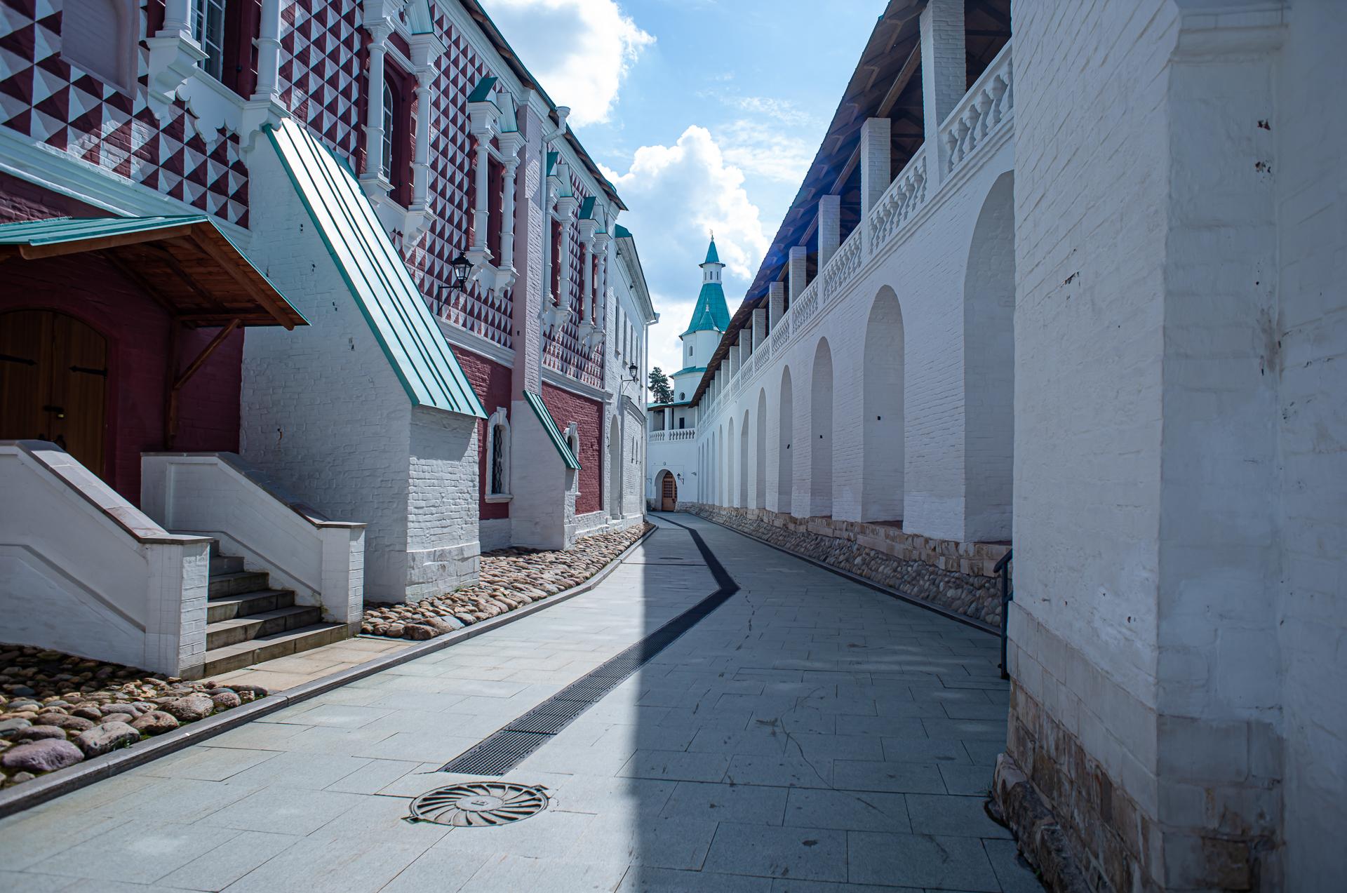 Истра, Новоиерусалимский монастырь летом