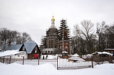Храм Преображения Господня в царском селе Остров