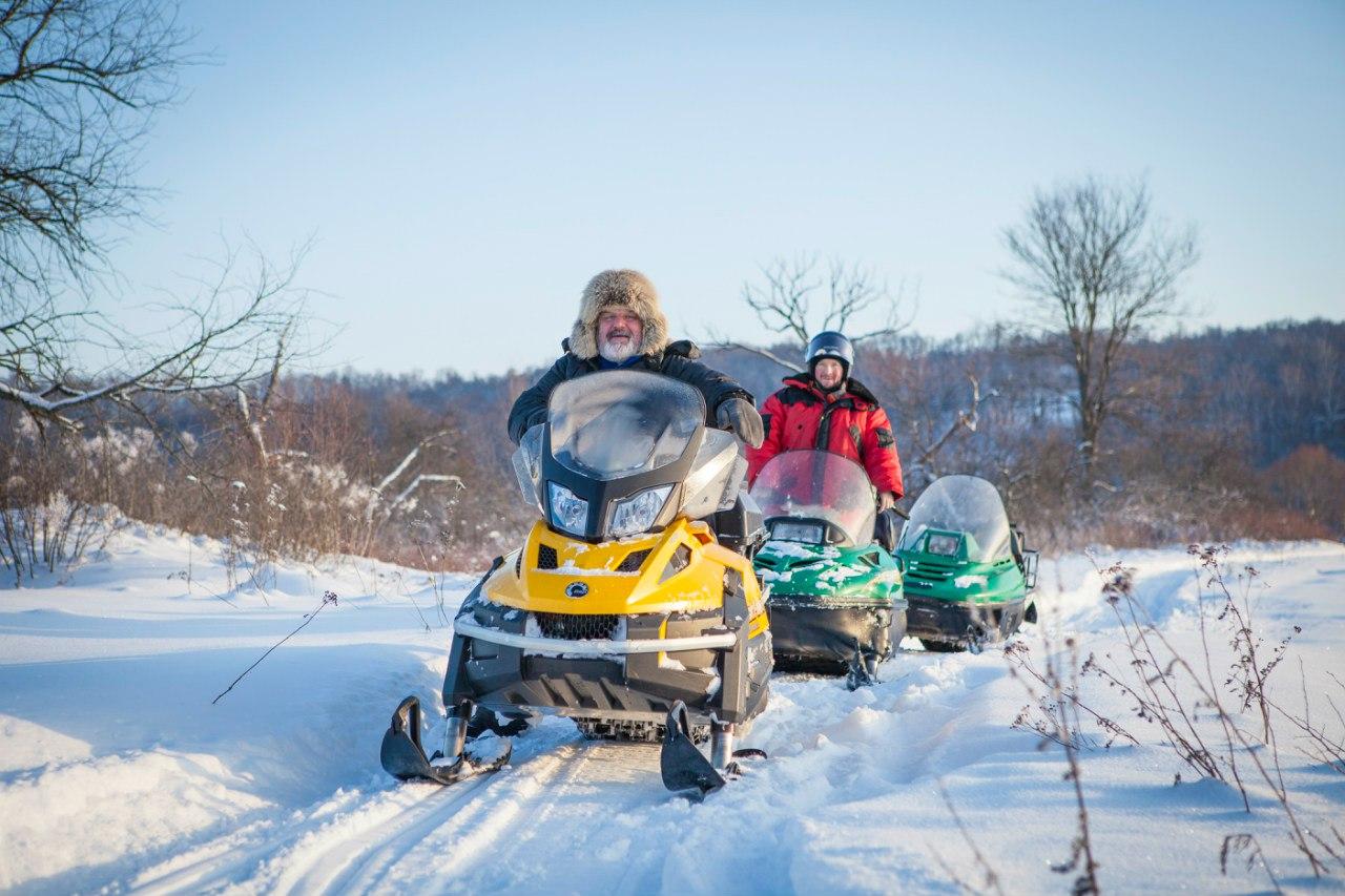 Катание на снегоходах с Михаилом и Володей