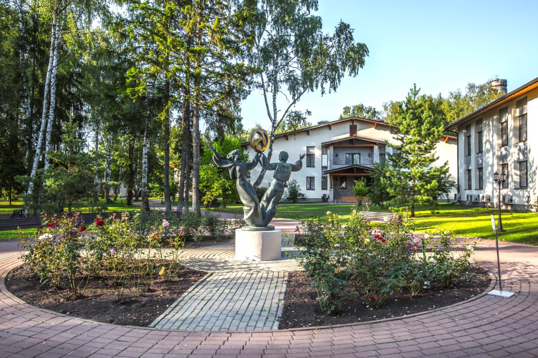 Отель «Артурс Village & SPA». Территория Village