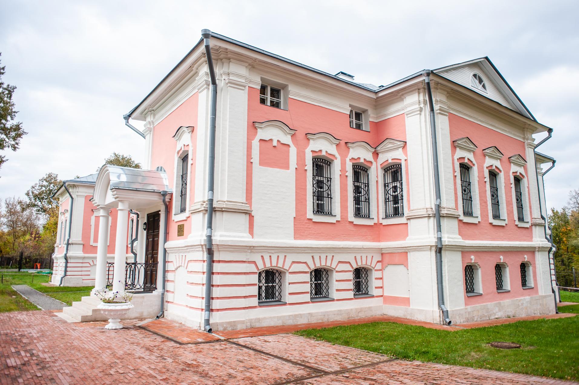 Чехов, Усадьба Лопасня-Зачатьевское, Главный дом
