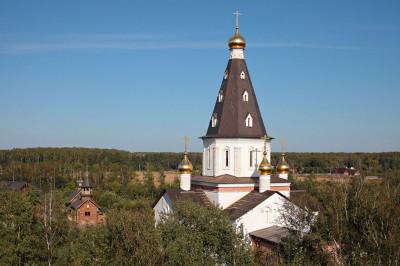 Церковь Ксении Петербургской в Медвежьих Озерах
