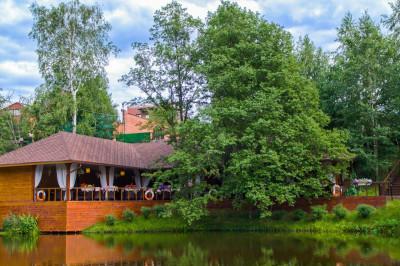 Отель «Золотой сазан»