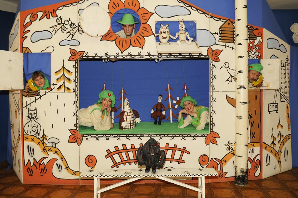 Молодежный театр «Зазеркалье». Спектакль «Как поросенок от бабки ушел»