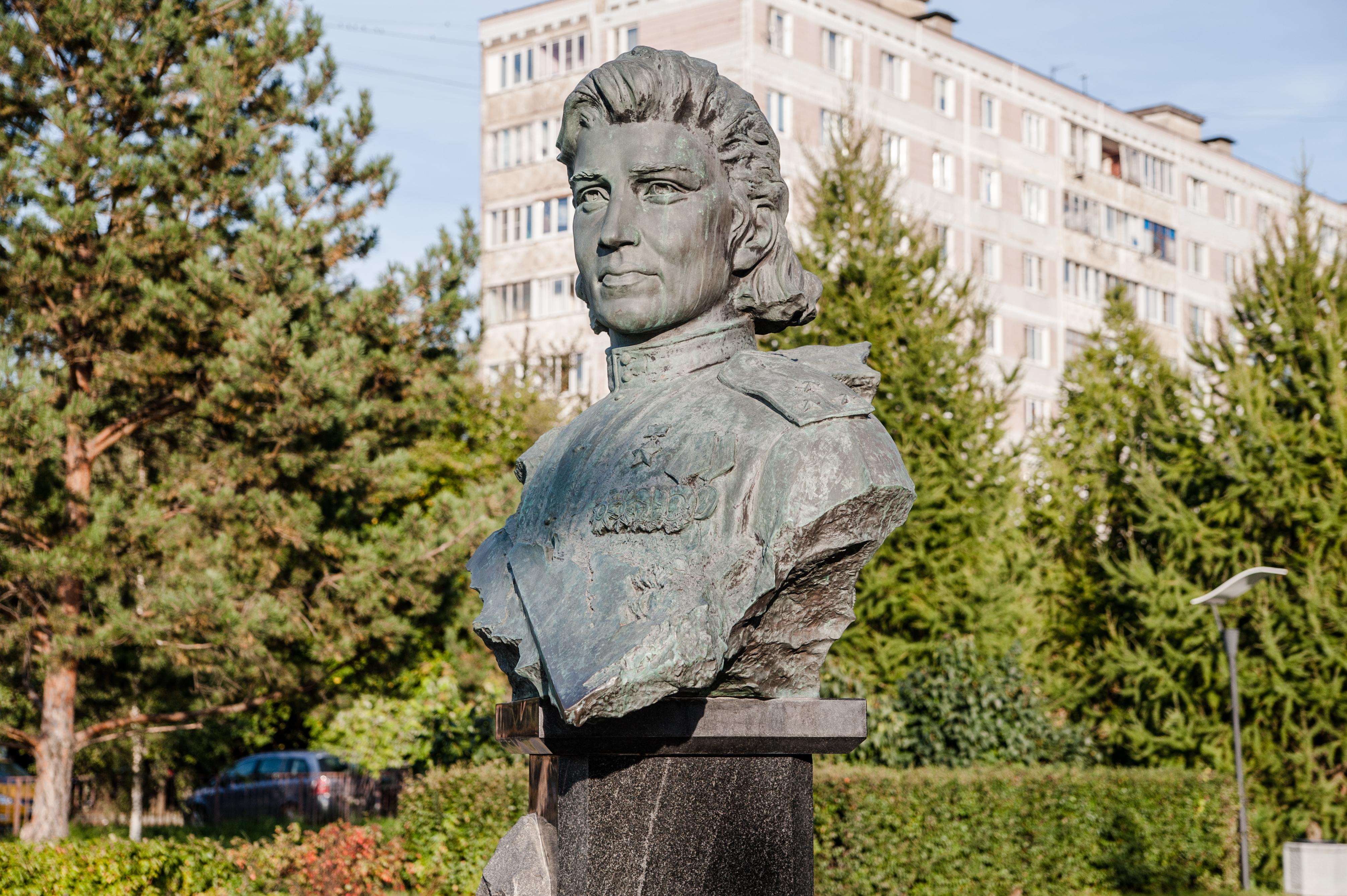 Ярославское направление, Мытищи, памятник герою Советского Союза Н.М. Расповой