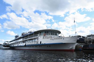 Международный Московский яхтенный порт в Долгопрудном