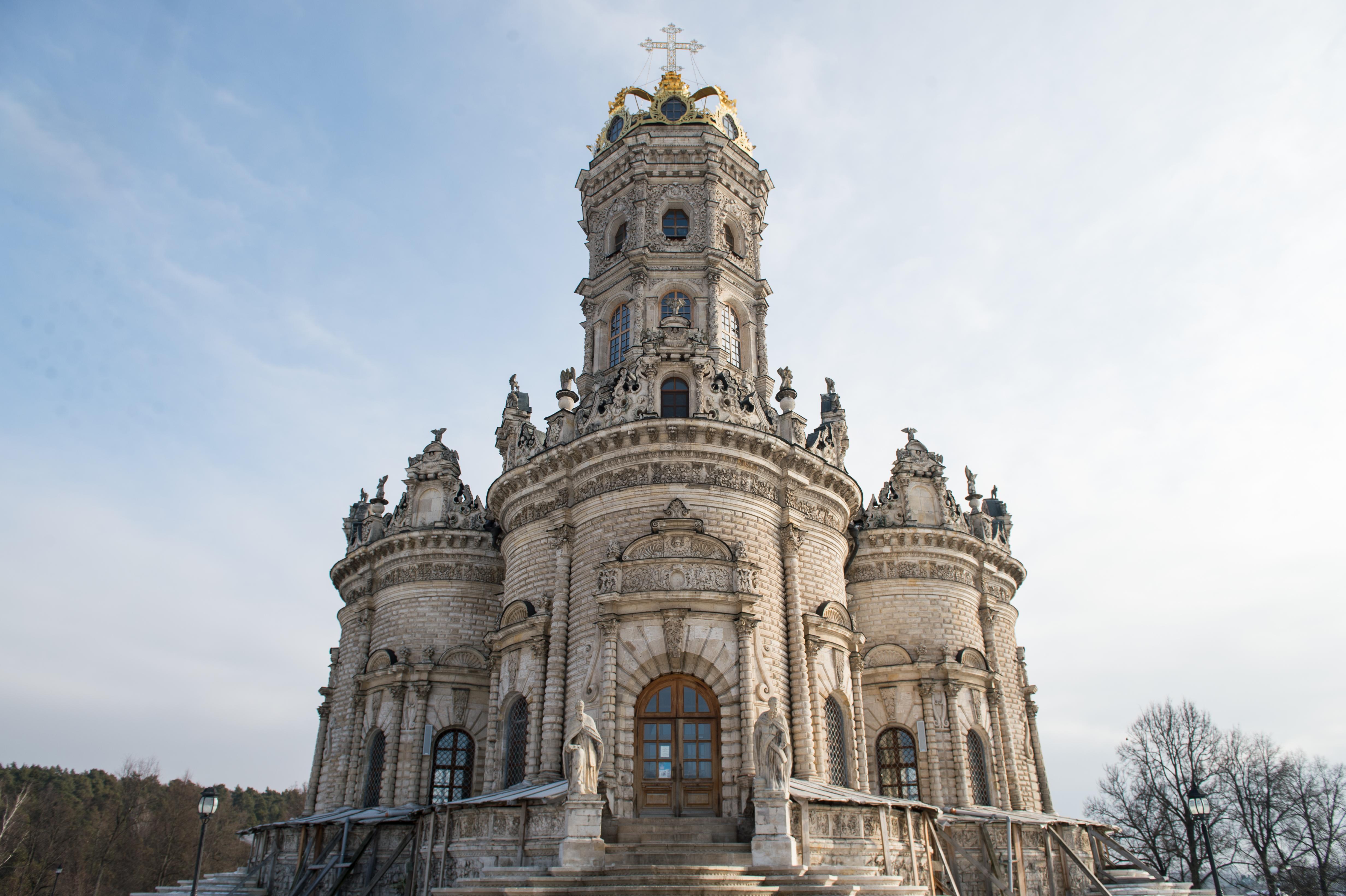 Храм Знамения Богородицы в поселке Дубровицы
