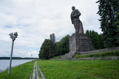 Дубна, Волга, памятник Ленину