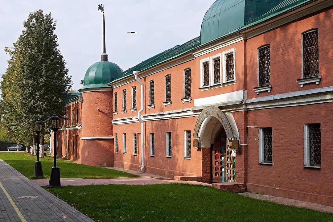 Конный корпус Сергиево-Посадского краеведческого музея