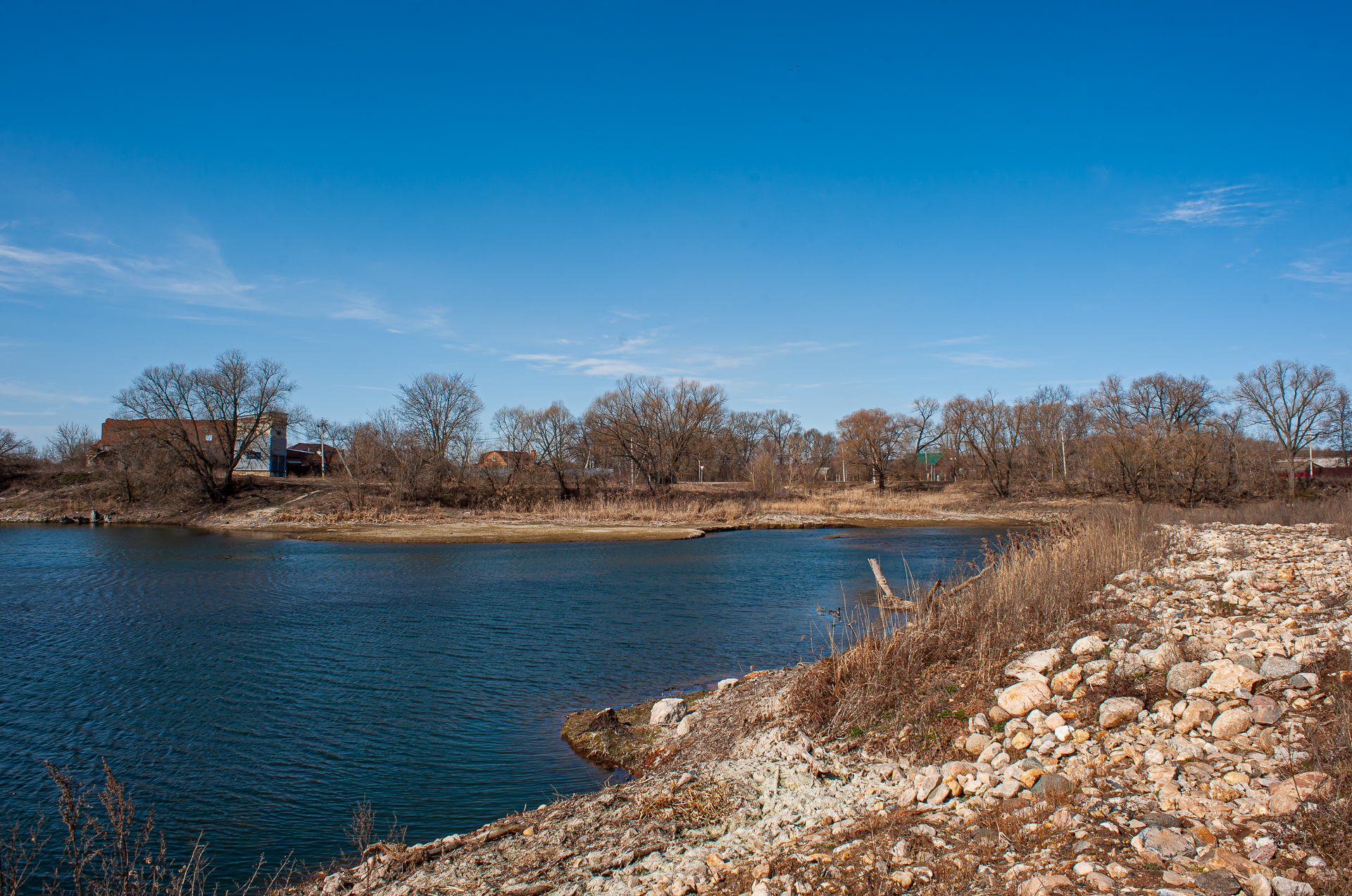Серебряные пруды, река Осётр