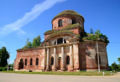 Церковь Святой Троицы в Болычеве