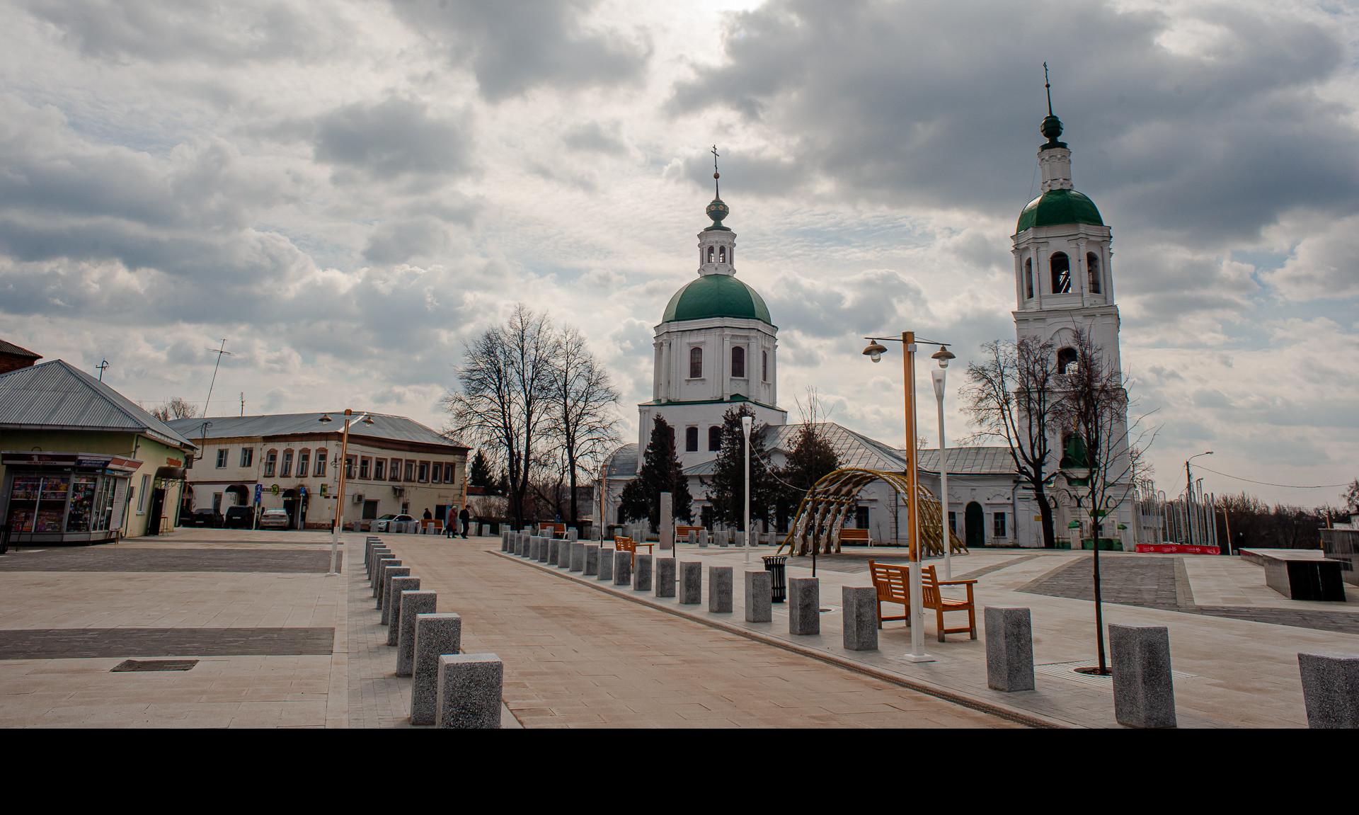 Зарайск,пл.Революции, Церковь троицы Живоначальной