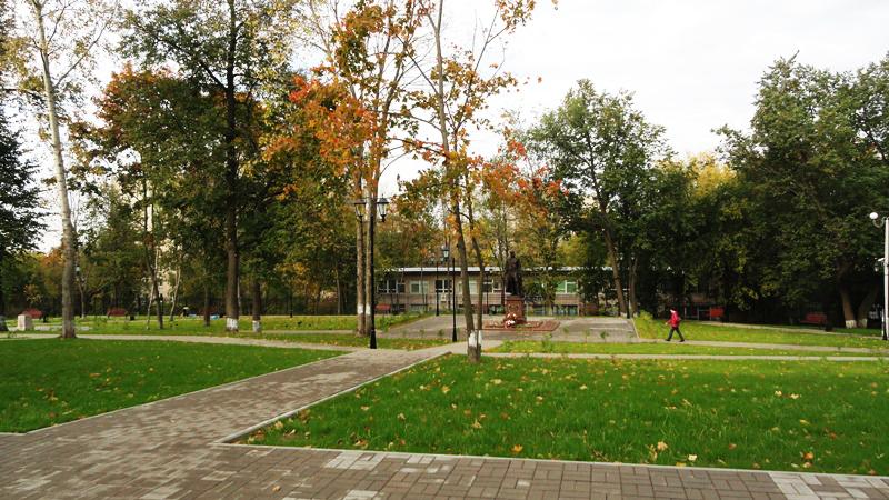 Парк усадьбы и памятник А.И. Чернышеву