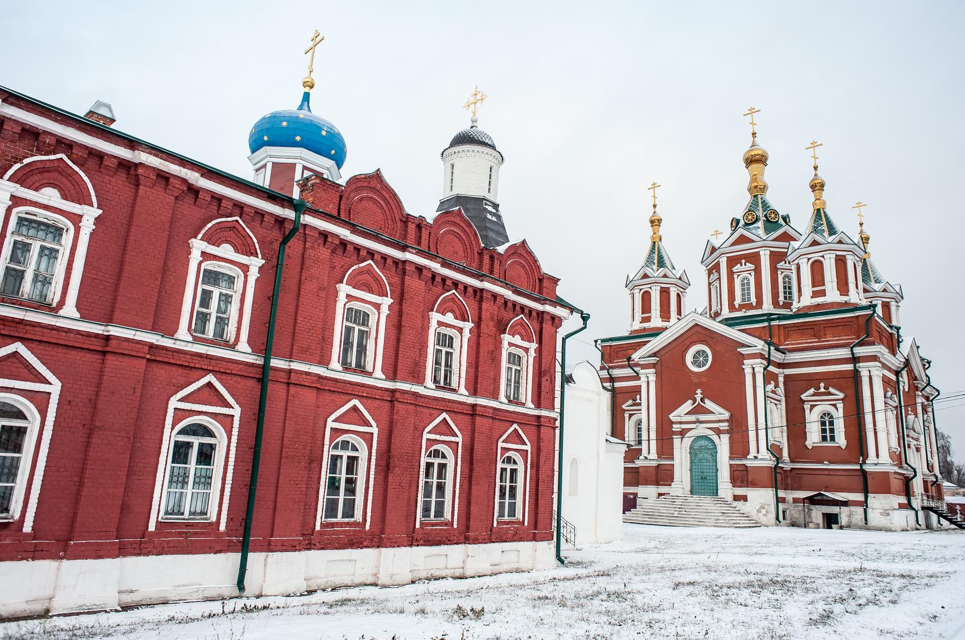 Коломна, Коломенский Кремль, Успенский Брусенский женский монастырь