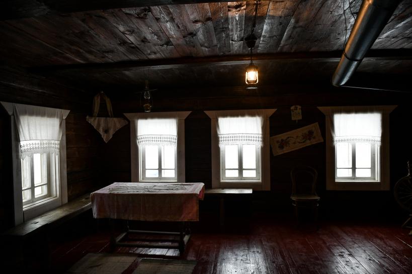 Дом, в котором фашисты казнили Зою Космодемьянскую, изнутри.